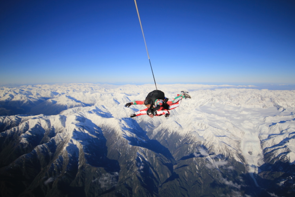 Skydiving Taupo Queenstown Wanaka New Zealand Holiday Guide